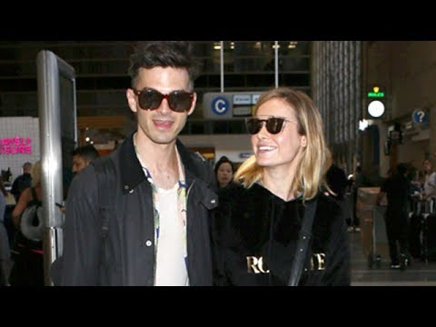 Brie Larson And Fiance Alex Greenwald On A Romantic Vacation Mp3