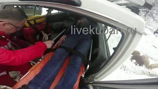 Врачам скорой помощи помогли добраться до пациента в горах на Кубани