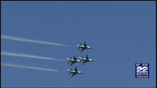 Download Video Thunderbirds arrive at Westover ARB in Chicopee 2 days before air show MP3 3GP MP4