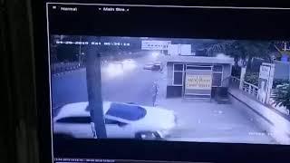 Car accident in Delhi cctv footage  Honda City Car Accident In Delhi CAUGHT IN CCTV