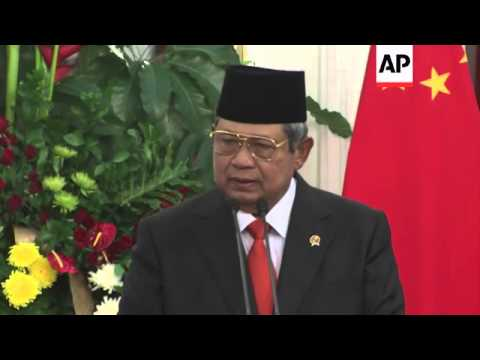 Chinese President Xi holds news briefing with Indonesian President Yudhoyono