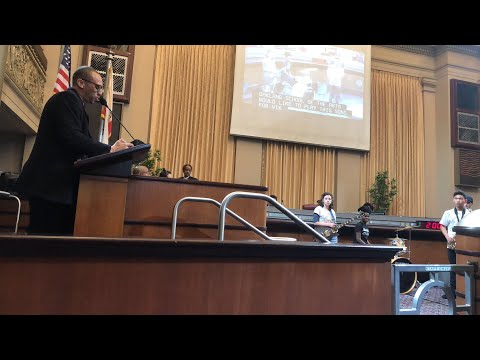 Victor McElhaney Tribute At Oakland City Council