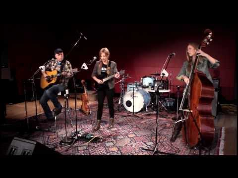 """Amanda Shires - """"Wasted and Rolling"""""""