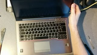 Fujitsu LifeBook U745 - How to replace the keyboard