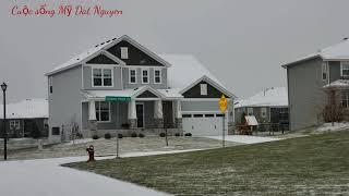Cuộc sống ở Mỹ | Đi dạo một vòng hàng xóm ngắm tuyết rơi đầu mùa , đẹp tuyệt vời ông Mặt Trời
