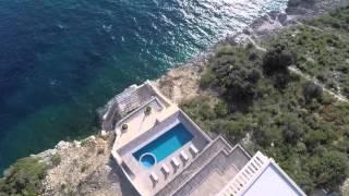 Вилла с бассейном и со своим пляжем в Черногории / Купить отель в Черногории рядом с морем