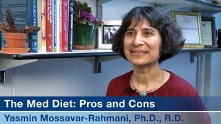 Gambar cover The Mediterranean Diet: Pros and Cons