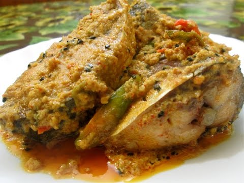 Shorshe ilish/Hilsa fish with mustard curry(Bengali recipe)