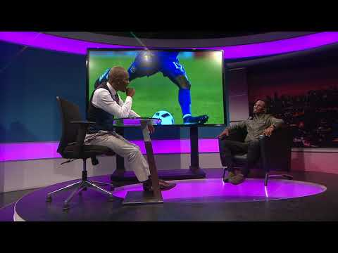Thomas Mlambo chats to footballer Teko Modise