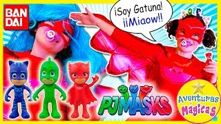 👧 ¡¡BABY PECAS se DISFRAZA de PJ Mask BUHITA!! y JUEGA con las FIGURAS CON LUZ Héroes en Pijama thumbnail