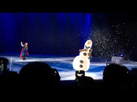 Disney on ice, Frozen ( Anna, Elsa ) in VietNam