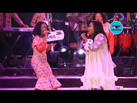Ceccy Twum performs with Daughters of Glorious Jesus at 'Back2back concert'