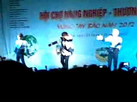 HKT Tại Hội Chợ Sơn La - Giá Như Chưa Từng Quen ( Live )