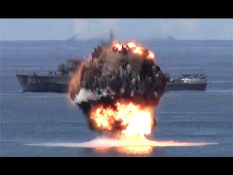 海自、実機雷を使用した掃海訓練公開=海中から噴き出す炎と黒煙-硫黄島