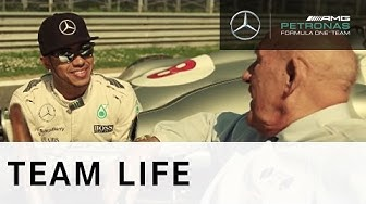 Lewis Hamilton & Sir Stirling Moss - Modern day & Classic F1! AWESOME!