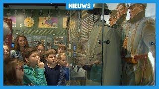Kinderen krijgen les over de Eerste Wereldoorlog