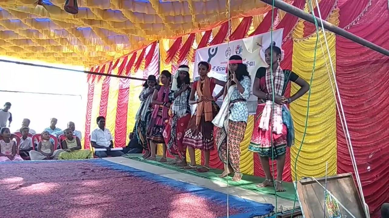Jaswant चौहान देशी dance basantpur kure - YouTube