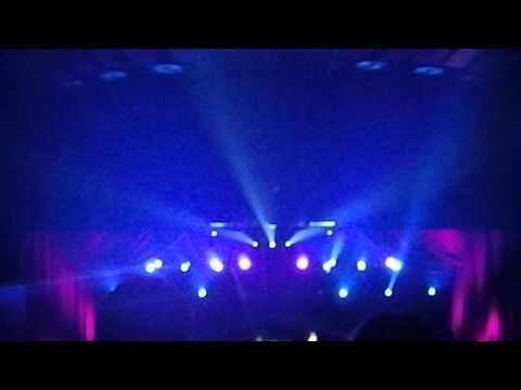 Celine Dion's Virtual Duet with Stevie Wonder - performing Overjoyed at Caesars Palace