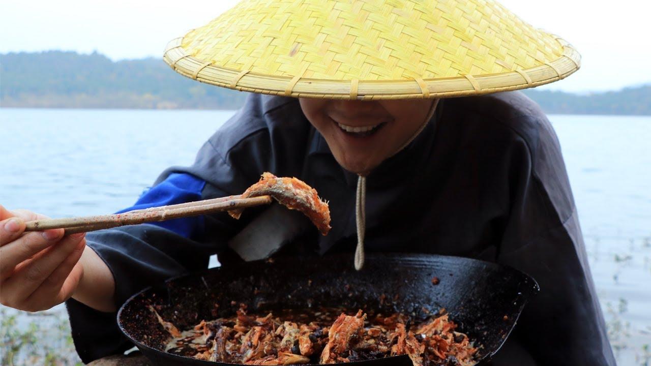 秘制豆豉鱼,一人吃一锅,真解馋(Secret system black bean fish, one person to eat one pot, really greedy)