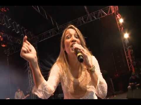 Andrea Fontes- Turma da Fofoca no Louvorzão 2010