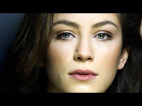 O YAR GELİR by Cem Adrian \u0026 Zeynep Karababa ~ (Actress: Buse Arslan) 4K indir