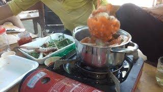 Ăn cua biển luộc nước dừa quá hấp dẫn. Văn hóa nghệ thuật