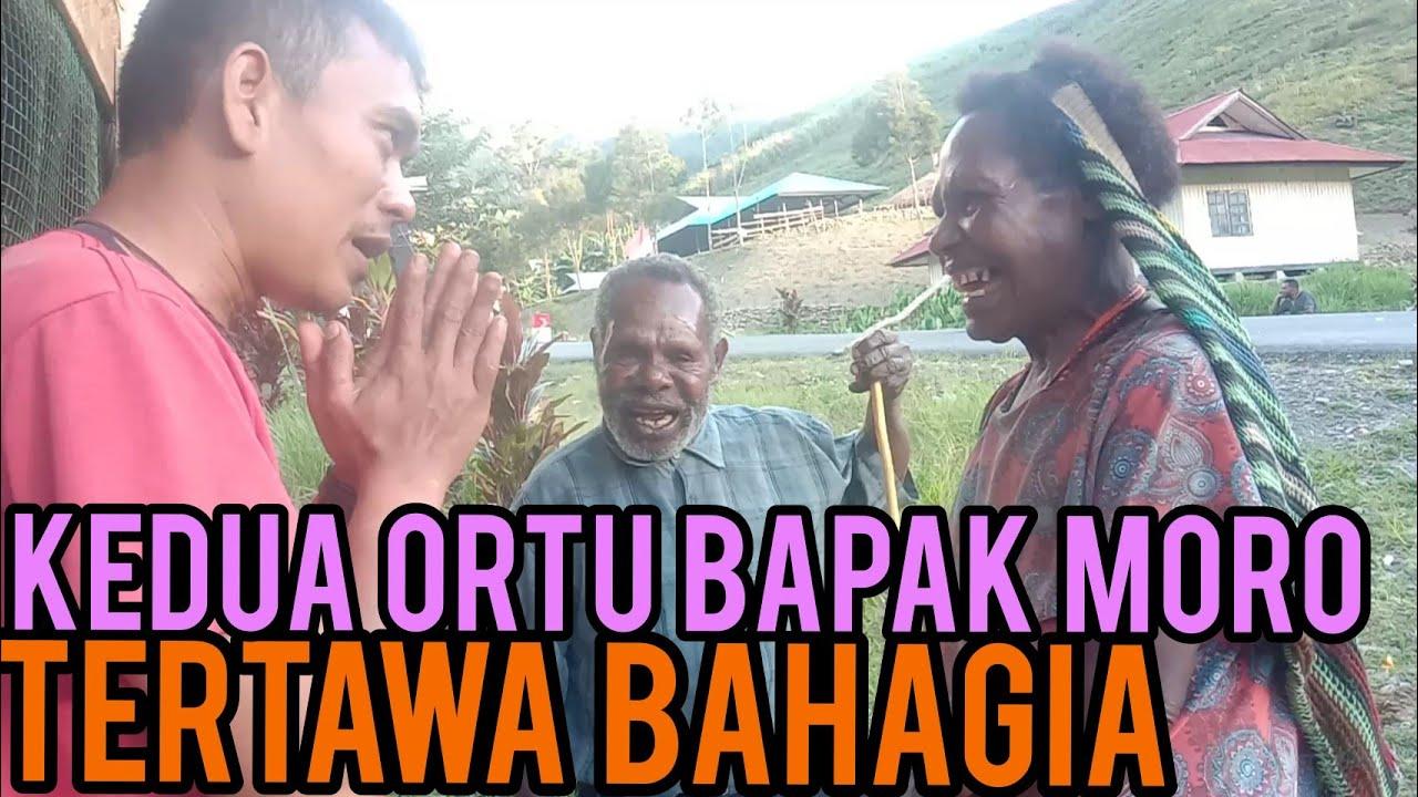 Download KEDUA ORANG TUA KAKA MORO..,, KAKA MORO HAMPIR DIGIGIT 4NJING