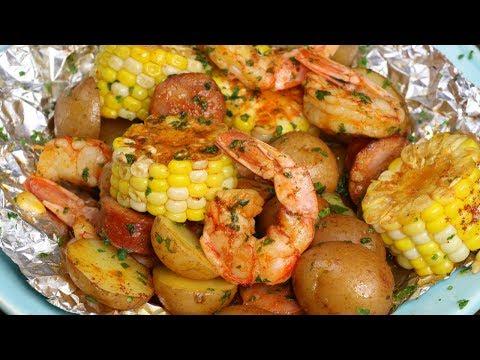 Shrimp Boil Foil Packs {Grilled or Baked!}