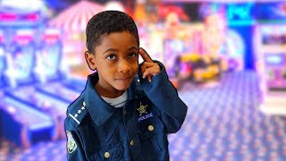 Police Kid Takes FamousTubeKIDS to the Arcade