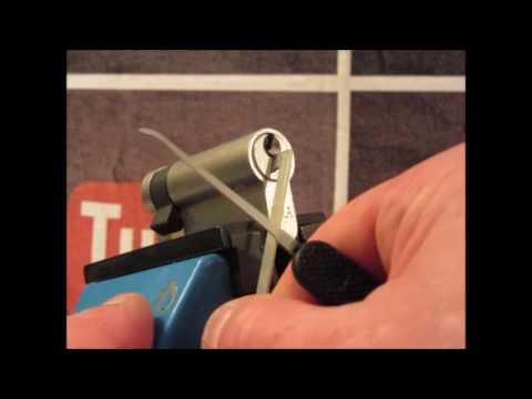 Single Pin Picking A 6 Pin ERA Satin Half Euro Cylinder Lock Containing 5 Spool Pins