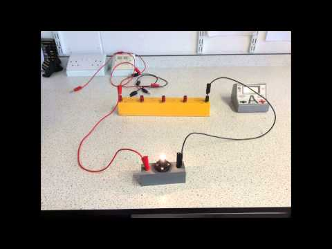 Simple circuit and how to connect an ammeter