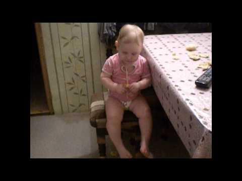 Внучка сосет видео моему