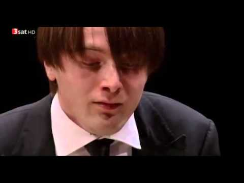 Daniil Trifonov plays Bach/Liszt BWV 542 and Beethoven op111 in Lyon France