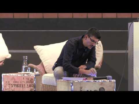 """Alexander Osterwalder """"Burn your Business Plan"""" beim Entrepreneurship Summit 2012 in Berlin"""