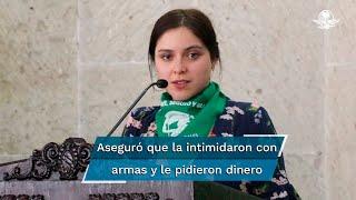 La presentadora del programa De Buena Fe en Canal 11 aseguró que elementos de la Secretaría de Seguridad la intimidaron con armas y le pidieron dinero