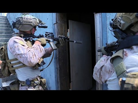 Recon Marines Conduct House Clearing Drills