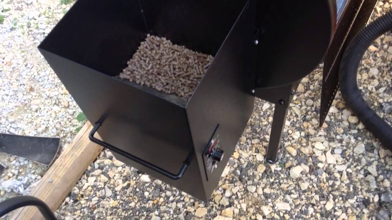 Traeger Pellet Grill Clean Up And Pellet Change Youtube