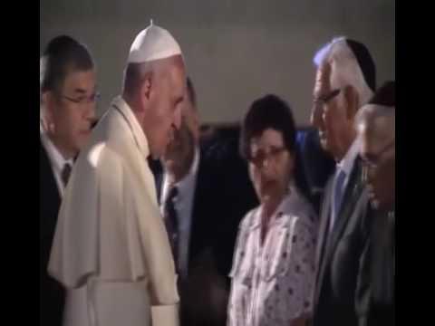 Pope Francis kissing the hands of  David Rockfeller, Kissinger...