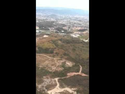Landing in Tegucigalpa airport