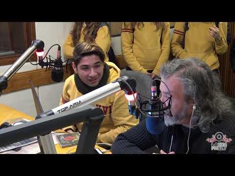 "<h3 class=""list-group-item-title"">Alumnos visitan la Radio FM2x4</h3>"