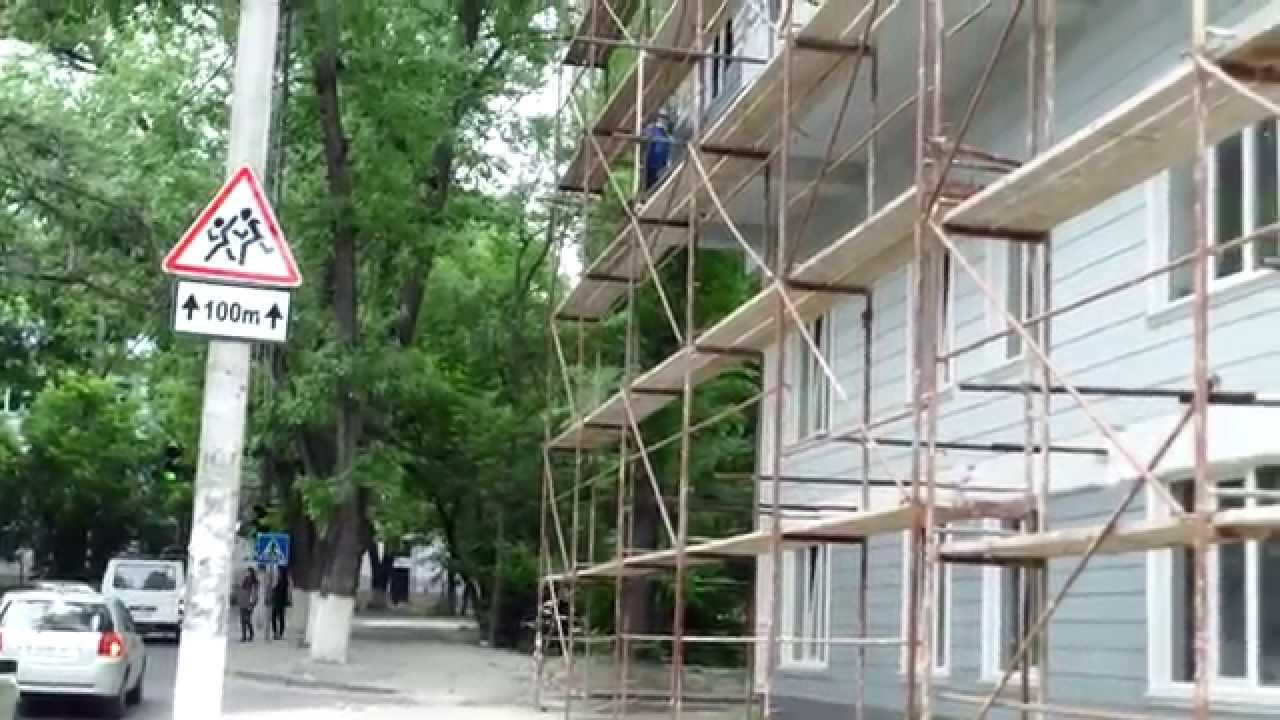 Șantier penal peste capul trecătorilor la Rîșcanii capitalei