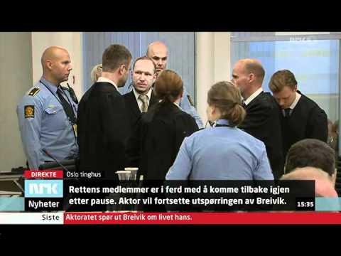 22/7 rettsaken:Anders Behring Breivik ankommer retten etter 15 min pause.