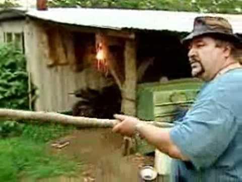 North Carolina man says he saw Sasquatch - Says Big Foot had beautiful hair and 12 fingers