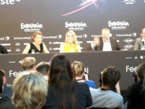 Dusseldorf Eurovision 2011 - Conférence de presse des présentateurs