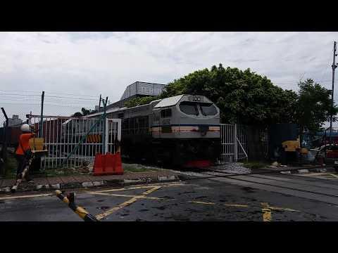 Bombardier AdTranz GE Class 26 Freight Train At Pelabuhan Klang Level Crossing