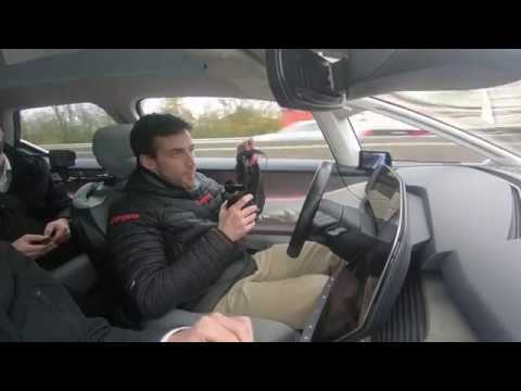 Voiture autonome : sans les mains au volant du Renault Symbioz !