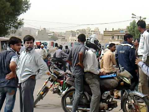 Orangi Town & Banaras (during strike) 02-June-2011 / owaisoloGy