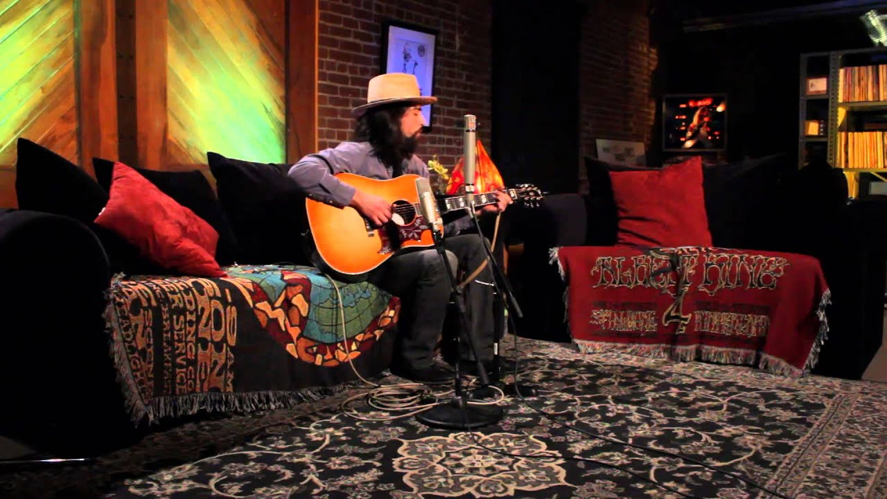jackie-greene-i-dont-live-in-a-dream-1-8-2011-wolfgangs-vault-paste-magazine