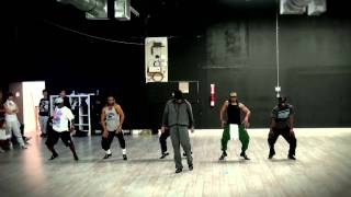 Download PSY - GANGNAM STYLE / 2 LEGIT 2 QUIT Mashup feat. MC HAMMER MP3 song and Music Video