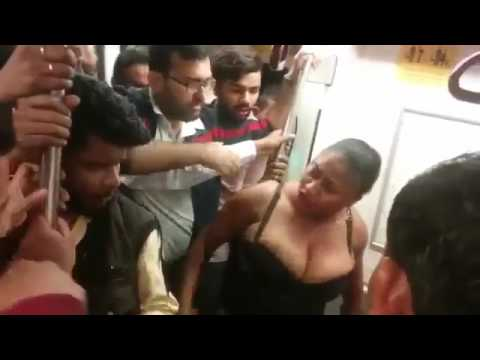 African Lady Fight in Delhi Metro